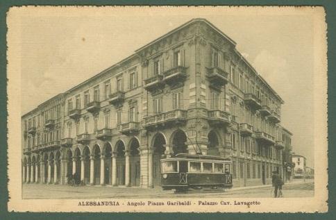 Piazza Garibaldi angolo Via Savona - Palazzo Lavagetto