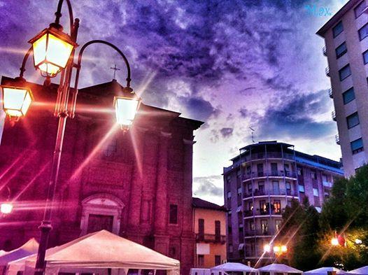 Piazza Santo Stefano al calar della sera