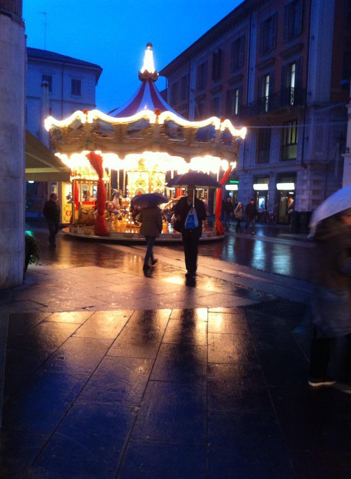 Novembre 2014 - La giostra in Piazzetta della Lega foto Tony Frisina