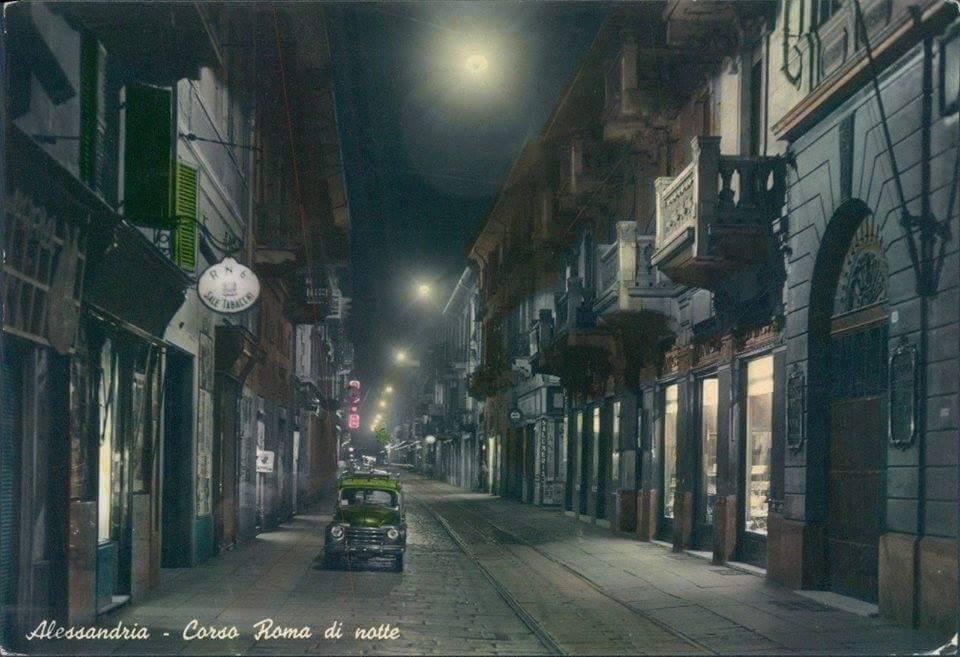 Una Corso Roma di altri tempi in una fotografia notturna
