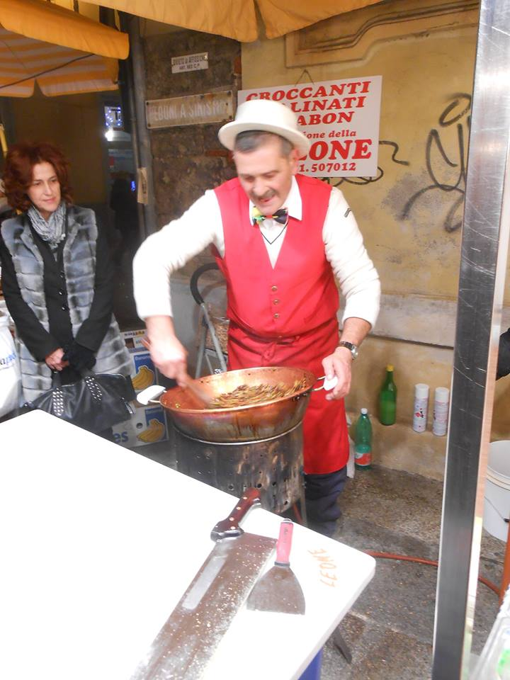 """Preparazione del """"Croccante"""" in Piazzetta S. Lucia - 13 dicembre 2014"""