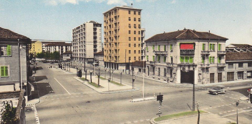 Un irriconoscibile semaforo di Via Marengo Anni '50. (foto Carlo Sterpone)