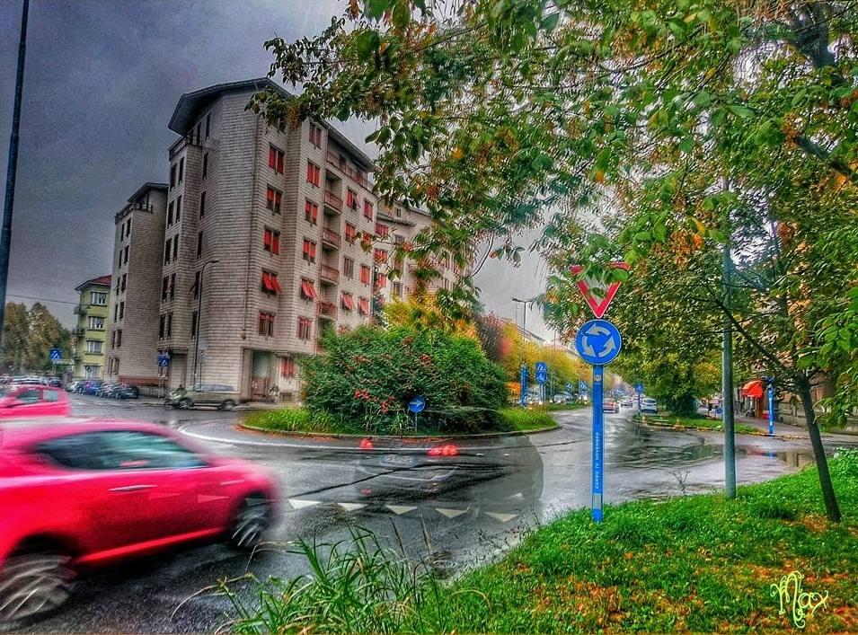Passaggio autunnale, Corso 4 Novembre in un pomeriggio di pioggia ☔… (foto Massimo Mussi - Storie e Paesaggi Alessandrini - 2015)