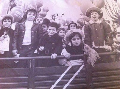 """""""Carro"""" di carnevale agli Orti inizio anni '70"""