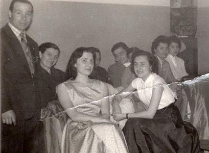 Anni '50 – Danzanti in attesa all'Astoria (Palazzo Guasco)