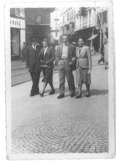 Fabrizio Vardaro I nonni di mia moglie Danila a passeggio in P.tta della Lega