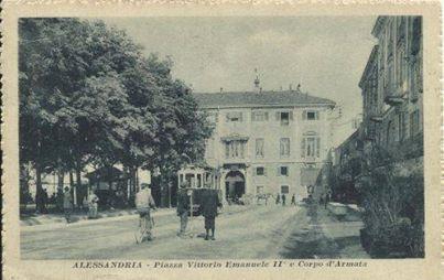 ALESSANDRIA, PIAZZA VITTORIO EMANUELE II° E CORPO D'ARMATA(ANNO 1916).