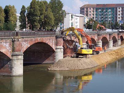 Inizia la demolizione del Ponte Tanaro (2013)