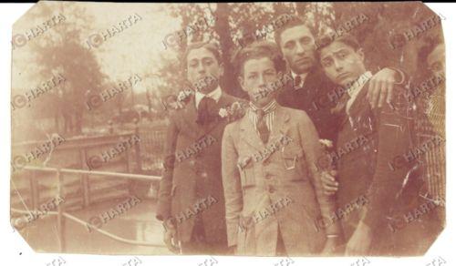 1920 ALESSANDRIA Ritratto di giovani amici sul canale CARLO ALBERTO