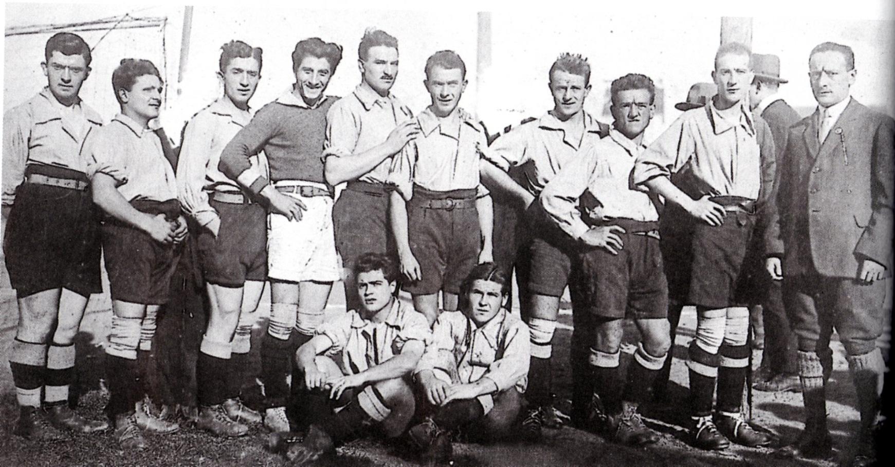 1920 - L'Alessandria Fbc - Papa I, Lazoli I, Porrati, Ticozzelli, Carcano, Baloncieri, Grillo, Moretti. Seduti - Povero, Bay I.
