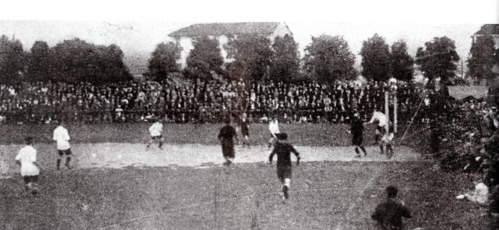 1921 - Un momento dell'accesa semifinale scudetto tra Pro Vercelli e Alessandria