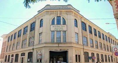 La facciata dell'ex Fabbrica Borsalino ora sede universitaria