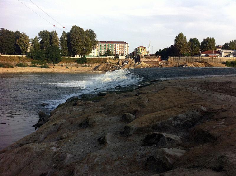"""Cantiere del nuovo """"ponte Meier"""". Sullo sfondo Alessandria"""