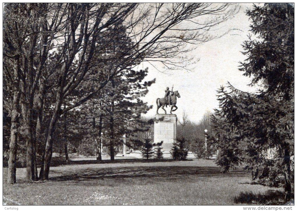 Giardini Pubblici - Monumento ai caduti