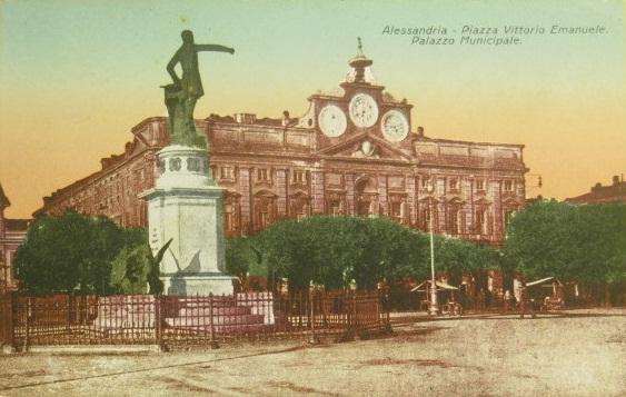 Alessandria - Piazza Vittorio Emanuele e Palazzo Municipale
