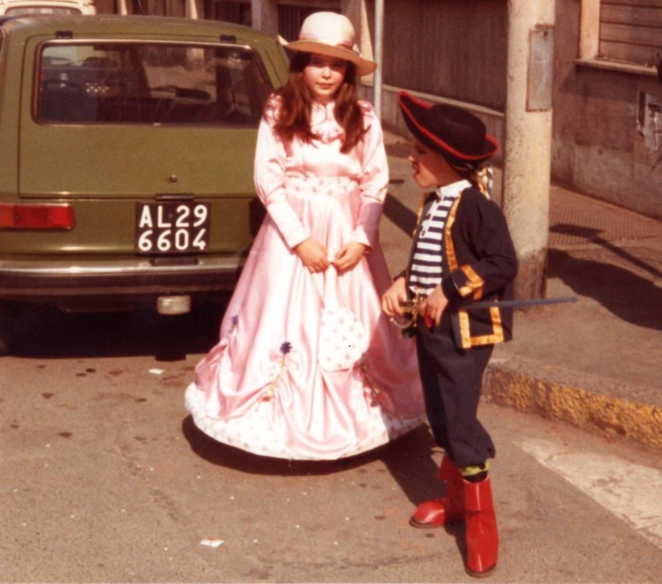 Anni '80 - bimbi in maschera a Carnevale