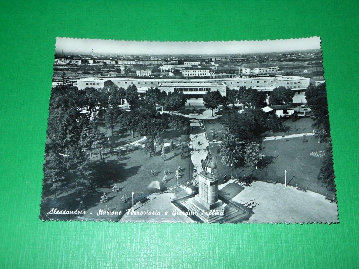 Cartolina Alessandria - Stazione Ferroviaria e Giardini Pubblici 1961