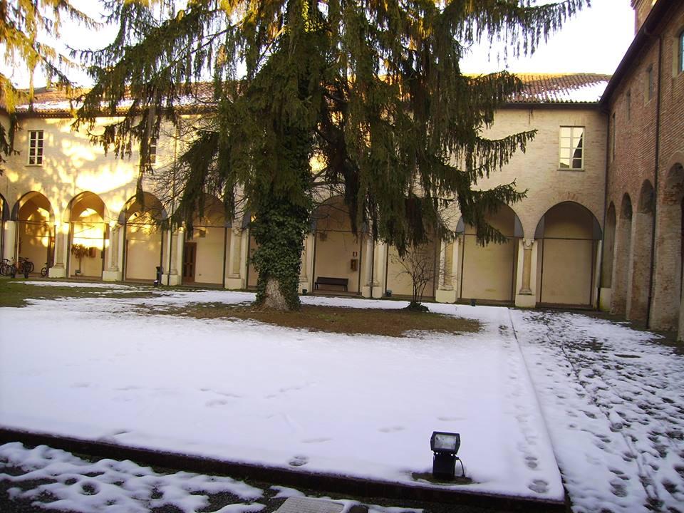 Chiostro di Santa Maria di Castello sotto la neve.