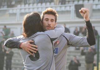 Degano esulta dopo un gol in Alessandria-Poggibonsi 3-1 -13-11-2011