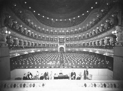 Teatro Civico !940 circa (fondo Sartorio – Fototeca Civica)