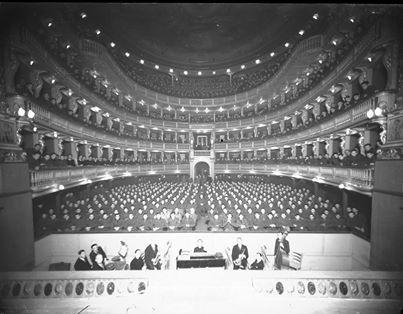 Teatro Civico !940 circa (fondo Sartorio - Fototeca Civica)