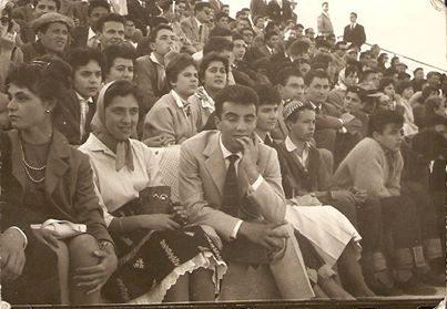 """Maggio 1960: Campo scuola. Non sembra di essere immersi in una puntata di """" Happy days"""" ? Qualcuno si riconosce?"""