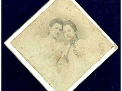 FOTO CARTONATA – LE SORELLINE – STUDIO G. B.MIGNONE – ALESSANDRIA.