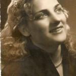 Non è un'attrice..una giovane ragazza…ora nonna di via Milazzo…