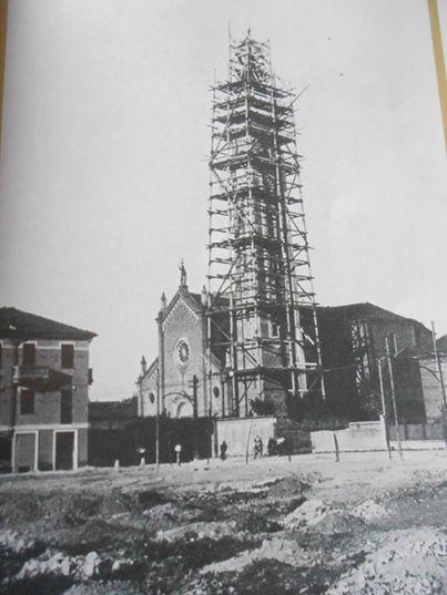 """costruzione campanile chiesa """"S. Giovanni"""" (piazza Ceriana) 1930"""
