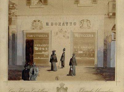 Vetrina della pasticceria Boratto di Piazza Rattazzi