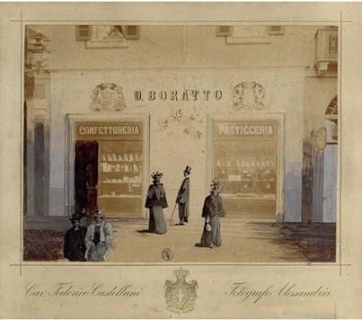 Vetrina della pasticceria - Boratto - di piazza Rattazzi (oggi piazza della Libertà), Foto Castellani, Fondo Storico Locale - Archivio Fototeca Civica.