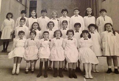 Scuola Elementare De Amicis anno scolastico 1965/66 classe II