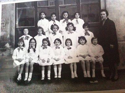 1a elementare alla Scuola Bovio con la maestra Monaco Maddalena