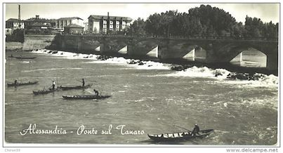 Alessandria Ponte Tanaro con barchini pescatori (Burcè)