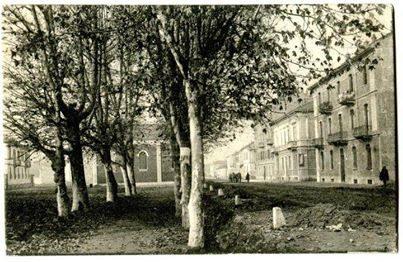 Una delle rare immagini d'epoca di via Tortona.