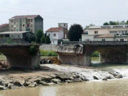 al-ponte cittadella abbattuto1_2013