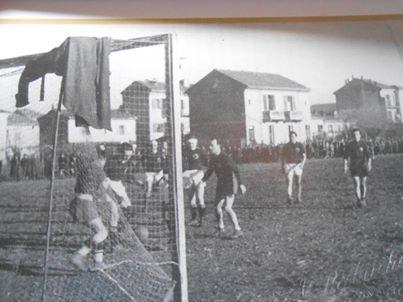 vecchio campo da calcio rione Cristo ora non piu' esistente dopo la costruzione di via Umberto Giordano.