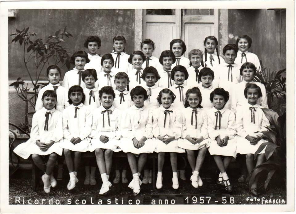 "Scuola elementare ""Galileo Galilei"" -A.S. 1957/58 Classe terza. Insegnante Giuseppina Berruti Longo"