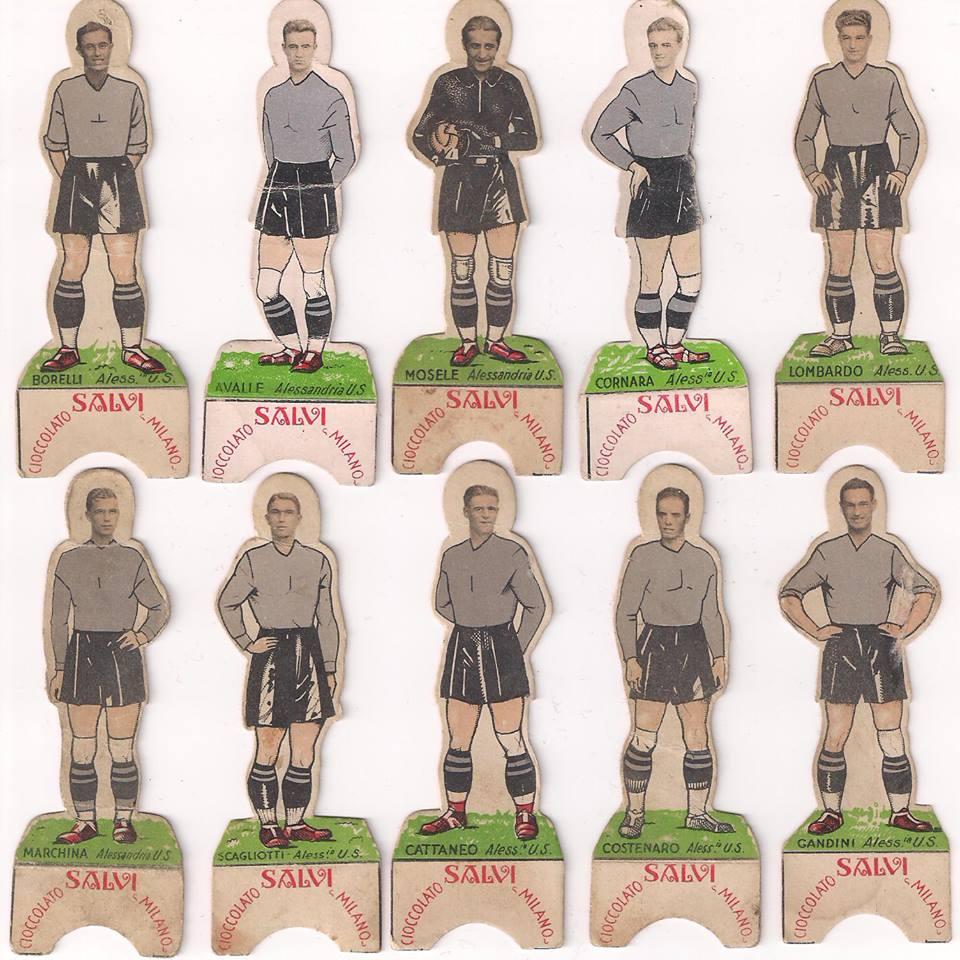 Squadra dell'Alessandria - rarissima serie di figurine primi anni 30 - Ed. Cioccolato Salvi Milano.I giocatori si potevano piegare alla base e stare in piedi.