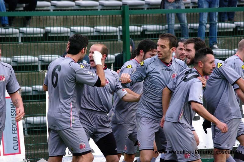 05-01-014 Alessandria-Pergolettese 3-1 Gol di Sirri. (4)