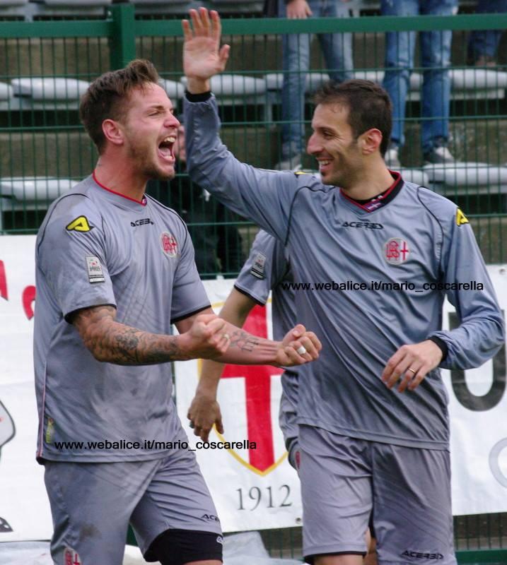 Sirri e Cammaroto esultano dopo un gol