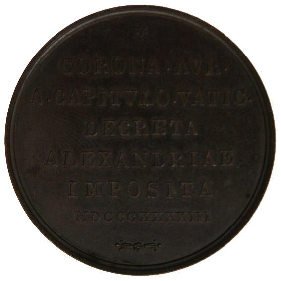 """""""Verso"""" della stessa medaglia. Si legge la scritta: Corona aurea a Capitulo Vaticano decreta Alexandriae imposita MDCCCXXXXIII."""