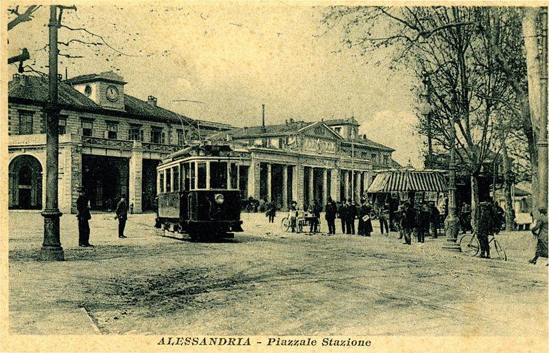 Piazzale della vecchia stazione ferroviaria (1913 circa)
