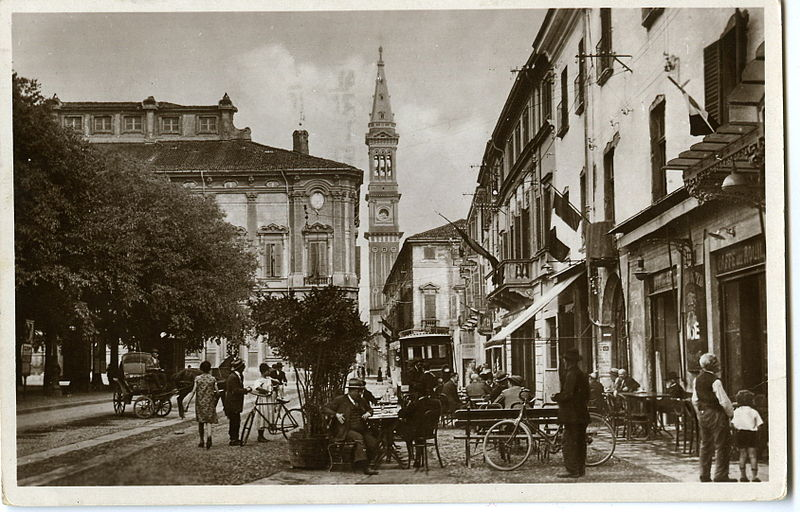 Alessandria - Piazza Vittorio Emanuele II - Il Caffè dell'Aquila - Anni '30 circa - Collezione Tony Frisina - Alessandria
