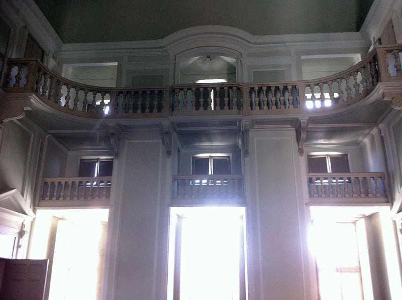 L'interno del teatro di Palazzo Guasco come si presenta oggi.