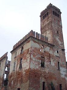 Nella frazione è presente il castello dei Bagliani costruito, secondo la tradizione, verso la fine del XIII secolo. Descritto dal Ghilini (1589-1668) come «un bello e comodo palazzo, il quale, fabbricato con giudiziosa ed elegante architettura, rappresenta la forma di un castello», fu residenza dei Bagliani sino alla scomparsa dell'ultimo discendente, il marchese Raimondo Luigi (1750-1825). Il castello passò quindi per eredità prima agli Inviziati, poi ai Petitti di Roreto e da questi ai Paravicini che lo abitarono sino agli inizi del '900. Ceduto a privati, il castello fu acquisito successivamente dal Comune di Alessandria, attuale proprietario. Durante la I Guerra mondiale fu adibito ad ospedale militare e poi a sede della sezione locale del partito fascista. Ancora integro ed efficiente per tutta la prima metà del secolo scorso, fu via via oggetto di spoliazione e di completo abbandono, così da facilitarne rapidamente il degrado. Dato il suo attuale stato assai pericolante, il castello è recintato e non è accessibile al pubblico.