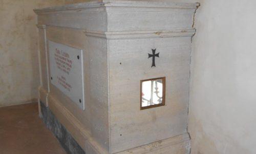 """Tomba de """"La donna santa – Maria Caterina"""" – Sepolcreto sito nella chiesa di S. Maria di Castello"""