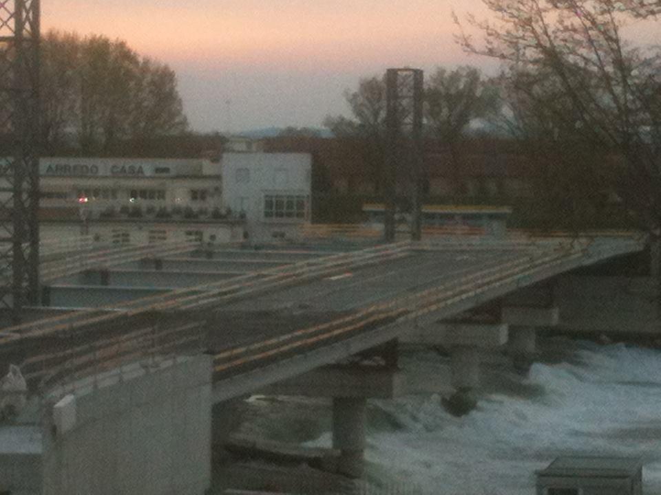Le prime foto della copertura del ponte Meyer