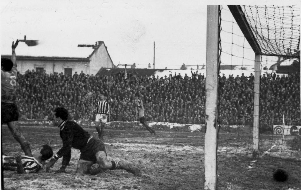 Alessandria-Juventus 2-0 nel 1946 -'47. Il goal di Pietruzzi.