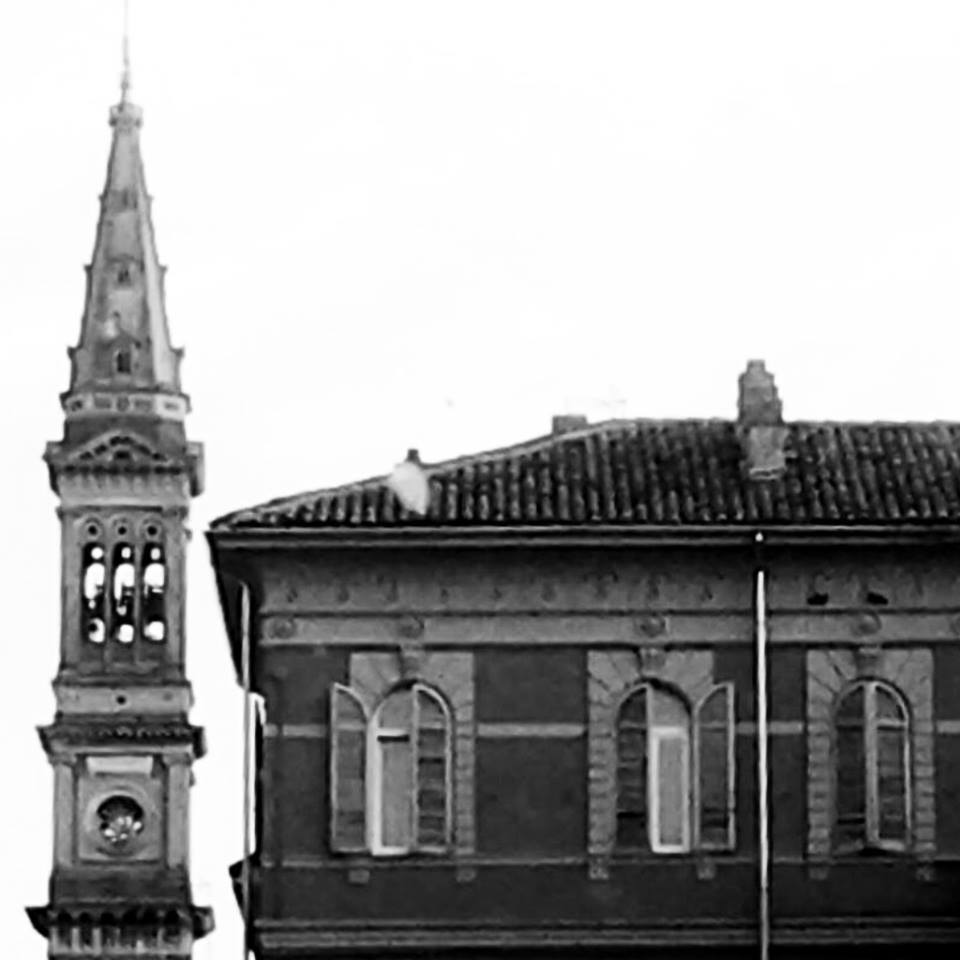 Il campanile del Duomo visto da via Venezia